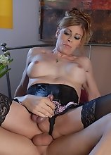 TS MILF Jasmine Jewels gets drilled
